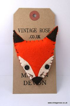 Totally obsessed with little foxes....Foxy Felt Brooch by VintageRoseMakes on Etsy, £5.95