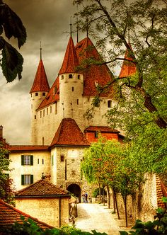 Thun Castle, Switzerland -- travel all around the world in search of the most beautiful castles Beautiful Castles, Beautiful Buildings, Beautiful World, Beautiful Places, Amazing Places, Places Around The World, The Places Youll Go, Places To See, Around The Worlds