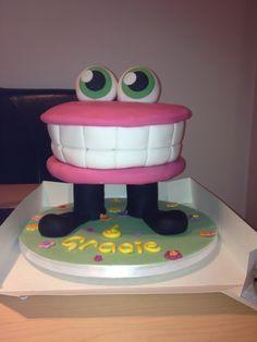 Moshi Monster cake - Rofl
