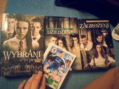 love read books *.*