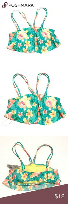 NWT Forever 21 floral swimsuit top Sz SMALL New with tags. Size small teal floral swimsuit top. Has padding Forever 21 Swim Bikinis