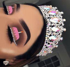 Initiale B Luxus Beauty Queen Frau Gesicht mit Krone Logo Design Vektor inspiriert . Eye Makeup Designs, Eye Makeup Art, Makeup Eye Looks, Crazy Makeup, Cute Makeup, Pretty Makeup, Skin Makeup, Eyeshadow Makeup, Crown Eyeshadow