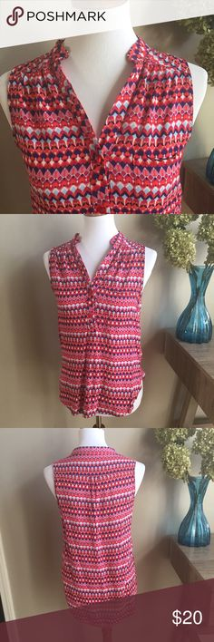 """EUC Market & Spruce Mori Henley Too Excellent Condition. Features geometric print pattern, hi-lo hem and single pocket. Super versatile. 100% Rayon. Laying flat armpit to armpit measures approximately 18"""". 👗👛👠👙👕Bundle & Save! Market & Spruce Tops"""