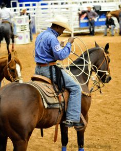 Tie-Down Roper Rodeo Cowboys, Real Cowboys, Black Cowboys, Cowboys And Indians, Black Cowgirl, Cowboy And Cowgirl, Tom Bass, Baby Cats, Baby Kitty