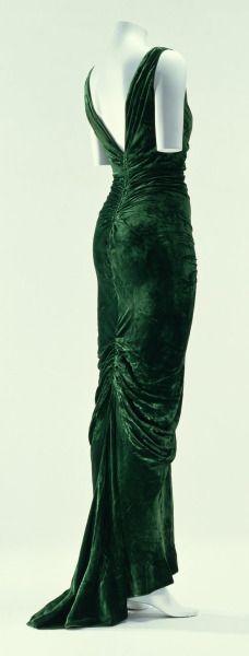 Edward Molyneux 1935, bias cut velvet