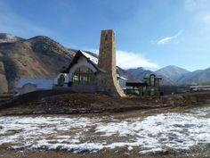 #Design #architecture #Utah #climbing #wall #raquetball #Mountain #home https://www.facebook.com/pages/Roxbury-Studios/297637866964991 http://roxburystudios.com/about.html