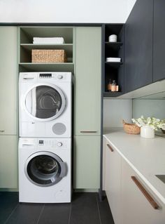 Looking for your perfect laundry room design? Check out Darren Palmer's top laundry design tips for the perfect mix of fashion and functionality. Pantry Laundry Room, Modern Laundry Rooms, Laundry In Bathroom, Diy Garden Furniture, Kitchen Furniture, Contemporary Kitchen Tables, Compact Laundry, Laundry Room Inspiration, Bedroom Inspiration