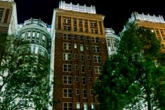 Skirvin Hotel in downtown Oklahoma City, Oklahoma. Jamaica Honeymoon, Jamaica Travel, Haunted Hotel, Haunted Places, Metta World Peace, Honey Moon, Mysterious Universe, Strange Events, Story Of The World