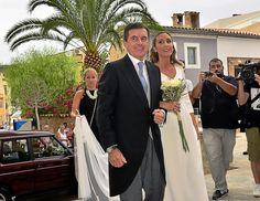 La boda de la hija pequeña de Jaume Matas en Mallorca - Jaume Matas ha llevado a su hija pequeña, Marta, al altar este sábado.