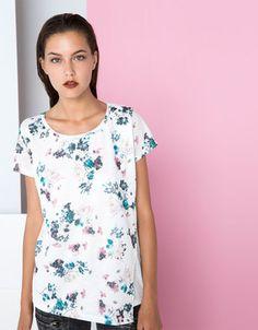 Bershka España - Camiseta Bershka estampado flores