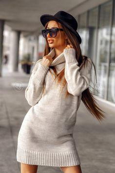 Dámsky pletený oversize sveter s rolákom v morskej modrej farbe. Turtle Neck, Sweaters, Dresses, Life, Decor, Fashion, Vestidos, Moda, Decoration
