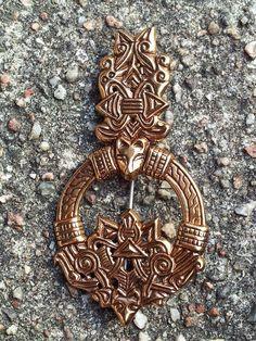 Viking age / Finnish/Luistari-wolf head buckle -replica