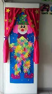 Clown, crafts - Crafts for Teens Clown Crafts, Circus Crafts, Carnival Crafts, Decoration Creche, Class Decoration, School Decorations, Preschool Crafts, Diy Crafts For Kids, Art For Kids