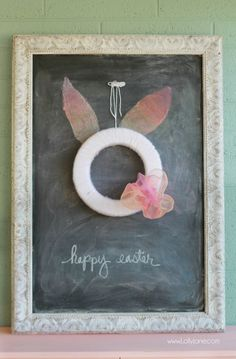 Easy Easter bunny wreath tutorial! Fun spring decor idea, love this spring wreath!