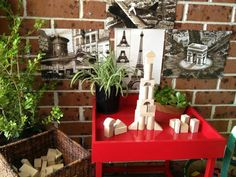 Building provocation using tray stand