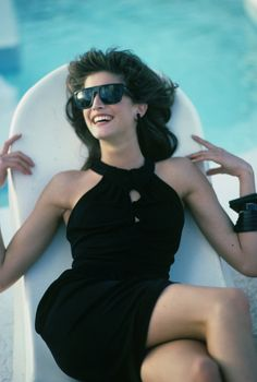 Happy Birthday Stephanie Seymour: See the Supermodel's Standout Moments in Vogue - Celebrate the birthday of the age. Vogue Fashion, Dark Fashion, 80s Fashion, Fashion News, High Fashion, Stephanie Seymour, Happy Birthday Stephanie, 1990s Supermodels, Arthur Elgort
