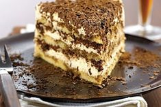 Indulge in the lavish tiramisu from Kenwood Chef Sense recipes. With minimal perpetration ✚ cooking time this dessert is ideal for any occasion. Chocolate Shavings, Chocolate Cups, Chocolate Recipes, Cooking Chef, Cooking Time, Baileys Cocktails, Kenwood Cooking, Mascarpone Cheese, Cake Tins