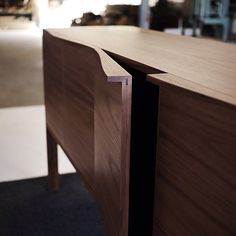 Custom walnut credenza for @designfarm_perth. Curved handle #detail. #australiandesign #furnituredesign #custommade #woodworking #australianmade