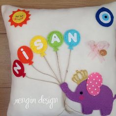 Rengim Design: Schmuckkissen im - Diy Baby Tie Crafts, Felt Crafts, Diy And Crafts, Cute Cushions, Animal Cushions, Baby Pillows, Kids Pillows, Baby Cot Bumper, Baby Shower Deco