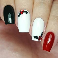 Festive Christmas Nail Designs for An outstanding Christmas nail art can help you get into the Christmas spirit.Hopefully you will find yours from this list and make you stand out this season. Xmas Nails, Holiday Nails, Fun Nails, Christmas Manicure, Simple Christmas Nails, Valentine Nails, Halloween Nails, Cute Nail Art Designs, Christmas Nail Art Designs