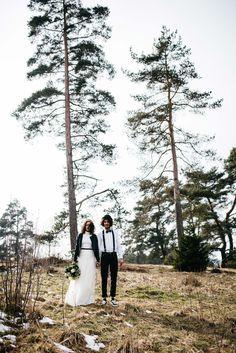 Black & White: Hipster-Hochzeitsinspiration im Winter REBECCA KONRAD http://www.hochzeitswahn.de/inspirationsideen/black-white-hipster-hochzeitsinspiration-im-winter/ #wedding #winter #couple
