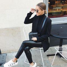 Teenage Autumn Street Style Outfits To Inspire You - Damen Mode 2019 Fashion Mode, Look Fashion, Autumn Fashion, Womens Fashion, Fashion Black, Fashion Styles, Fashion Dresses, Feminine Fashion, Fashion Ideas