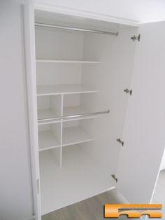 armario_a_medida_lacado_pico_gorrion_doble_fondo_100_alella_roser_recibidor interior estantes y barras