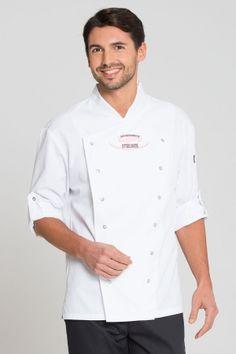 Richmond Herren Kochjacke >> Die trendige, leicht taillierte Kochjacke mit Stehkragen und praktischen, doppelreihigen Druckverschluss ist unverzichtbar in der Küche. Die Ärmel können aufgekrempelt und mit einer Lasche fixiert werden und sorgen neben den beidseitigen Seitenschlitzen für mehr Bewegungsfreiheit.