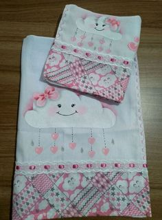 Baby Burp Cloths, Beautiful Babies, Baby Quilts, Safari, Stencils, Diy And Crafts, Mickey Mouse, Clip Art, Baby Shower