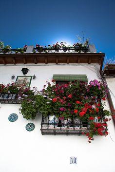I want this balcony!