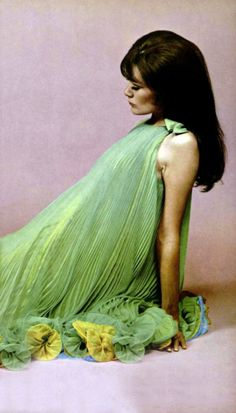 L'Officiel magazine 1967 Nina Ricci designer late 60s mod tent dress pleated party cocktail green yellow model vintage fashion