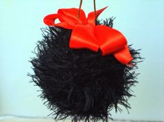 GATO Handmade: GATO Handmade a pregatit pentru voi noua colectie ... Christmas Ornaments, Holiday Decor, Handmade, Gatos, Hand Made, Christmas Jewelry, Christmas Decorations, Christmas Decor, Handarbeit