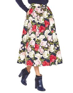 Winter Roses – Blugirl Fall Winter 2016/2017 • Rose Print Midi Skirt • This jacquard fabric midi skirt with picturesque rose print has a crimped motif at the waist with waistband and side zip and button fastening.