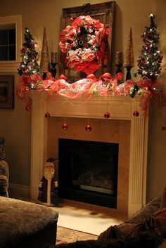 Christmas mantle | Christmas Mantle | Decorated Mantle