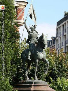 Statue de Jeanne d'Arc, 1925, Place Jeanne d'Arc, Lille