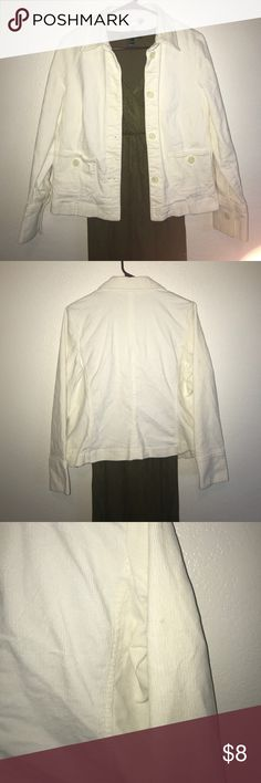 Casual Corner Annex Women's Ivory Cotton Jacket! You are viewing an Excellent Used Condition Women's Casual Corner Annex Petite Stretch Ivory Jacket. Size is Medium. Only blemish is a small spot as seen in photo. This Jacket comes from a pet and smoke free home. Thank you for viewing and please check out my Closet for more great deals, and SAVE when you Bundle! Casual Corner Annex Jackets & Coats Jean Jackets