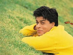 Shahrukh Khan in Kuch kuch hota hai Bollywood Posters, Bollywood Cinema, Bollywood Actors, Bollywood Celebrities, Bollywood Style, Indian Celebrities, Shahrukh Khan And Kajol, Shah Rukh Khan Movies, Salman Khan