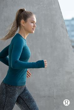 Live colourfully. Layer up and stay warm in technical training gear for colder months.