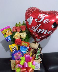 Oras, Cake, Flowers, Desserts, Amor, Creative Gifts, Afternoon Snacks, Balloons, Pie Cake
