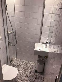 Tiny Bathrooms, Tiny House Bathroom, Upstairs Bathrooms, Downstairs Bathroom, Compact Shower Room, Small Shower Room, Bathroom Tub Shower, Bathroom Design Layout, Bathroom Design Small
