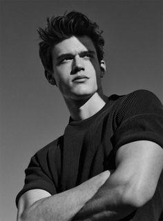 Xavier Serrano for Men's Health Spain photographed... | MALE MODELS