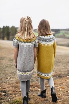 282-6 - Vardetunika med korte eller lange ermer | Rauma Garn Knitting For Kids, Kids And Parenting, Knitwear, Kids Fashion, Winter Hats, Girl Outfits, Pullover, Crochet, Sweaters