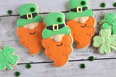 Patrick's Day cookiesSt Patrick's Day is around the corner, and people love to party and celebrate. As part of my holiday cookie obsession here are decorated cookies for St. Cookies are the Irish Cookies, St Patrick's Day Cookies, Fancy Cookies, Iced Cookies, Cut Out Cookies, Cute Cookies, Royal Icing Cookies, Cookies Et Biscuits, Holiday Cookies