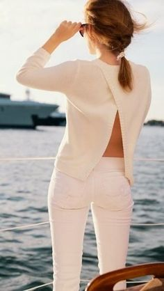 Daily street style inspiration for the fashion obsessed. Street Style Outfits, Mode Outfits, Mode Style, Style Me, Trendy Style, Style Blog, White Outfits, Summer Outfits, Look Fashion