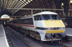 91005 King's Cross 29.8.89 by D9006, via Flickr - WANT! WANT THIS! WANT THIS ALL OVER MY FACE