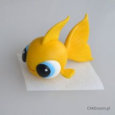 Little fishy cake topper