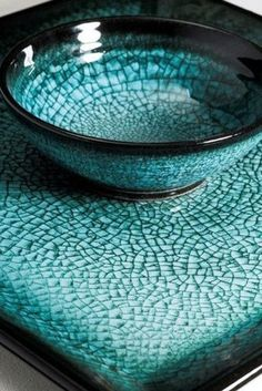 Stephen Roberts 2 - this is one of the most beautiful crackled glazes I've seen