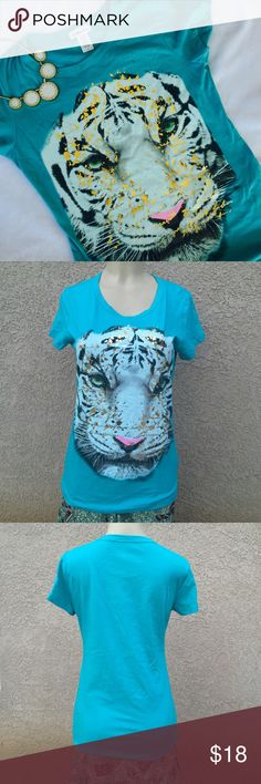Casual top Light blue color top. Material is 100% cotton . Length : 27.5 Bust - 18.5. NWOT Tops