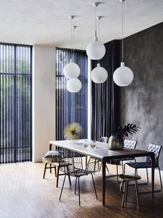 #dark #interior #design #black #wall #blue #verticalblinds #dining #table #ideas #stiladk Blinds, Conference Room, Dark, Dining Table, Blue, Furniture, Interior Design, Home Decor, Ideas