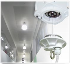 Compact Remote Controlled Lighting Lift - Lowers light fittings for Servicing IOT